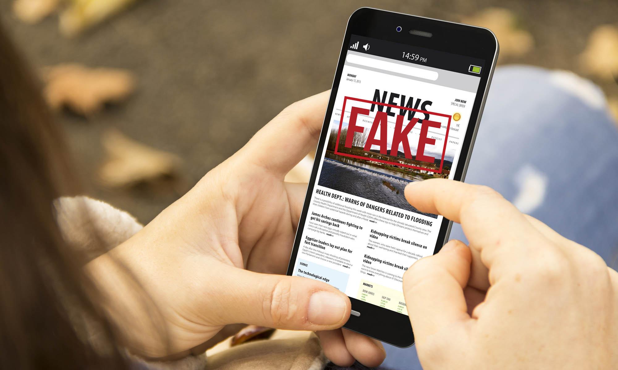 fake news portada